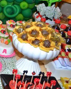 Festa Infantil - Joaninhas no Jardim, bombom de castanha do brasil http://www.suelicoelho.com.br/2012/03/festa-infantil-joaninhas-no-jardim-da.htm