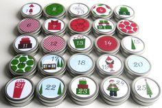 Reusable 25-day countdown to Christmas Advent Calendar - Presents