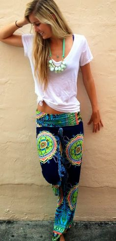 Amazing exuma pants and white blouse beautiful womens fashion boho fashion, Looks Style, Looks Cool, Style Me, Chill Style, 90s Style, Flat Style, Bohemian Mode, Boho Chic, Bohemian Style