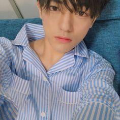 """Chàng beauty blogger lai Nhật - Hàn nổi tiếng với ngoại hình đúng chuẩn """"em trai quốc dân"""" - Ảnh 4."""