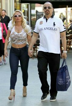 Ice-T & Coco Photos - *NO CANADA RIGHTS*.Ice-T andhis wife Coco spend a relaxing afternoon having lunch and shopping on Lincoln Road. - Ice-T and Coco Out in Miami Martin Luther King, Celebrity Couples, Celebrity Style, Chanel Nicole, Ice T And Coco, Coco Photo, Baby Chanel, Light Skin Men, Priyanka Chopra Hot