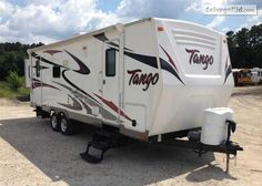 2011 PACIFIC COACH WORKS TANGO VIN: 5UYTS2527CR014095