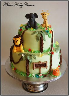 Djungle cake inspiration. Love the animals, so well done.