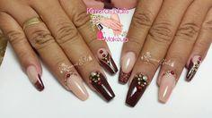 Diseño de salón 💅 👑 😍 😄 #kimerasnails #nails #uñas #acrylicnails #nude #sculturenails #prettynails #naturalnails #glitter #acrilicodecolor #naildesign #silk #AcrilicosAtacantes #ManoAlzada #3d #3dnails #christmas #2016