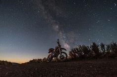 @jfelk got this shot  of the #ADVEXC and the stars above the #OregonDesert out at #EastFortRock this weekend! Where did you go?  #pnwdualsport : @pnwdualsport  Tag your pics and videos with @wheelsguru  to be featured.   Follow #wheelsguru @shahnawazkarim  get latest updates on wheelsguru.com  #advrider #bmwmotorrad #adventure #dualsport #motorcycle #adv #enduro #makelifearide #ktm #advaddicts #moto #bmw #offroad #advlife #travel #dualsportlife #r1200gs #touratech #rideandshare #motorrad…
