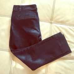 Ann Taylor LOFT jeans. EUC. Very cute And flattering. Lots of stretch to them. LOFT Pants Ankle & Cropped