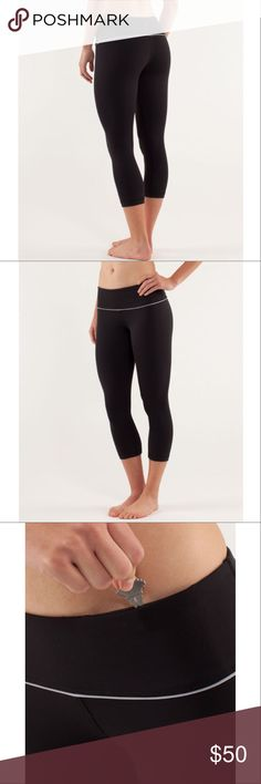 """Lululemon Wunder Under Crops Black Silverescent 2 📡PRICE IS FIRM AND NON-NEGOTIABLE. NO OFFERS. LOWBALLERS WILL BE BLOCKED. NO TRADES.📡 Lululemon """"Wunder Under Crop"""" *Silverescent yoga pants in Black, size 2. Made with Silverescent® fabric, which inhibits the growth of odor-causing bacteria. Sweat-wicking and breathable. Gently worn and in good condition. Four-way stretch, second-skin fit. lululemon athletica Pants Ankle & Cropped"""