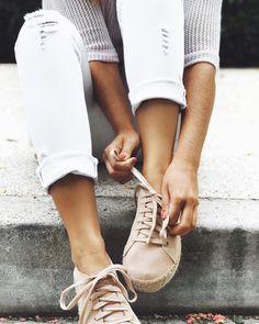 t o d a y s .  ( calça jeans branca  blusa net ) #crieiusei #carolfarina #usocf #dreammakeithappen shopcarolfarina.com.br/