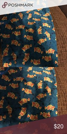 Lularoe Leggings Wore only once and washed to llr standards. Super cute fish- made in China LuLaRoe Pants Leggings