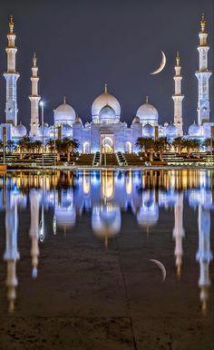 Abu Dhabi, Beautiful Architecture, Beautiful Buildings, Mekka Islam, Mosque Architecture, Ancient Architecture, Gothic Architecture, Online Architecture, Computer Architecture
