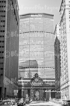 Grand Central Terminal, Met Life, Architectural Photography, HDR Style, Black and White New York City Art, NY Print, Manhattan, Wall Art, Sizes Available from 5x7 to 20x30. A front faced view of the sculptures on the top of Grand Central Terminal with the Met life building Towering above. ***Photo comes un-matted and un-framed. Photos are shown in a room setting and are for size comparison. Last photo is a size comparison chart, is not the photo you are purchasing. Depending on the size…