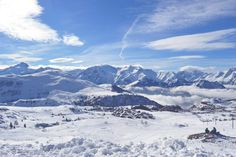 skiing Alpe D'Huez on The Girl Outdoors http://thegirloutdoors.co.uk/2015/02/06/skiing-alpe-dhuez/#more-11045