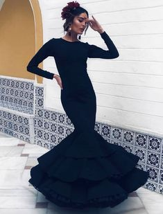 Spanish style – Mediterranean Home Decor Gala Dresses, Casual Dresses, Formal Dresses, Spanish Fashion, Korean Fashion, Outfits For Spain, Look Fashion, Fashion Outfits, Modest Fashion