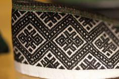 2013_04_07_Evjutunet utstilling bunad (56) | Tom Holmberg | Flickr Hardanger Embroidery, Folk Embroidery, Textiles Techniques, Norway, Folk Art, Diy And Crafts, Inspiration, Vikings, Ethnic