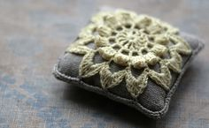 Linen  pincushion  crochet motif