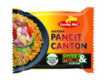 Lucky Me! Pancit Canton Sweet & Spicy If you're looking for just the right level of spiciness, then Sweet & Spicy is for you! This flavor offers a sweet soy sauce taste with a hint of spiciness. Asian Noodles, Soba Noodles, Chow Mein, Chow Chow, Calamansi, Instant Ramen, Barbie Miniatures, Pancit, Sweet And Spicy