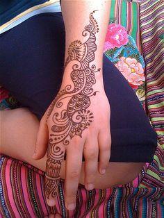 henna for a customer by HennaLounge, via Flickr