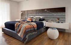 Descentralize a cabeceira da cama. Esta, com tecido da Regatta, é do quarto projetado pelo arquiteto Toninho Noronha