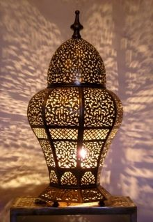 Moroccan Brass table light, Table lamp delicately chiselled flowers patterns. Moroccan Decorations