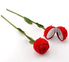 "Housweety 1 Red Rose Flower Velveteen Rings Jewelry Display Box 30x5.9cm(11 6/8""x2 3/8"")"