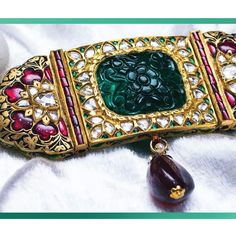 #Panna_e_Falak has some stunning emerald pieces, these are stunning handcrafted pieces designed with precision and attention to details. . . . . . #JagdishJewellers #indianjewellery #indianwedding #handcraftedjewelry #bridaljewellery #jewelry #jewellerydesign #BridesOfJagdish #JOTD #jewls #jewelrylovers #instajewelry #JagdishJewellerspatiala #patialajewellery #royaltly #weddings #india #Patiala