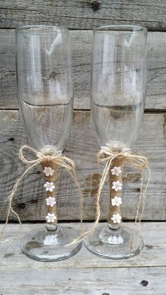 Rustic Wedding Toasting Glasses with Twine by LittleZebrasBoutique Rustic Wedding Glasses, Wedding Toasting Glasses, Rustic Wedding Photos, Wedding Unity Candles, Wedding Champagne Flutes, Champagne Glasses, Bride And Groom Glasses, Cadeau Couple, Deco Champetre