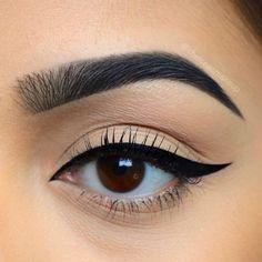 Make sure your lashes are dry before applying mascara - The fact that your lashe. - Eye Makeup tips Kiss Makeup, Cute Makeup, Pretty Makeup, Simple Makeup, Makeup Art, Natural Makeup, Beauty Makeup, Hair Makeup, Simple Eyeliner
