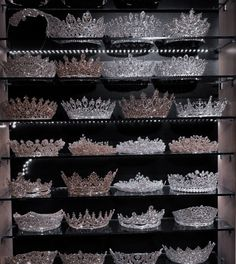 Crown Aesthetic, Queen Aesthetic, Princess Aesthetic, Classy Aesthetic, Aesthetic Dark, Cute Jewelry, Hair Jewelry, Fantasy Jewelry, Rich Girl