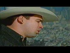 Bobby Pulido - Desvelado (Video Clip Oficial)