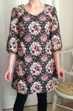 The Kate dress - slight pattern hack! Version 3 sleeves with the plain neckline and topstitched front seam