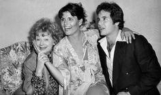 Lucille Ball and her children Lucie Arnaz & Desi Arnaz Jr. Classic Hollywood, Old Hollywood, Hollywood Stars, Lucie Arnaz, I Love Lucy Show, Queens Of Comedy, Lucille Ball Desi Arnaz, Lucy And Ricky, Rare Photos