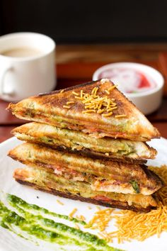ideas breakfast sandwich maker recipes how to make for 2019 Sandwich Maker Recipes, Veg Sandwich, Breakfast Sandwich Maker, Chicken Sandwich Recipes, Toast Sandwich, Potato Sandwich, Veg Recipes, Indian Food Recipes, Vegetarian Recipes