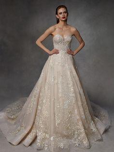 Badgley Mischka Herbst/Winter Bridal - Fashion Shows Mermaid Dresses, Bridal Dresses, Bridesmaid Dresses, Vogue Paris, Designer Wedding Dresses, Wedding Gowns, Backstage, Vows Bridal, Blush Bridal