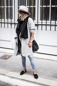 mantel grau damen modetrends herbstmode streetstyle Fashion inspo for fall 2019 Style Work, Mode Style, Laid Back Style, Fashion Mode, Look Fashion, Fashion Trends, Fall Fashion, Street Fashion, Fashion Ideas