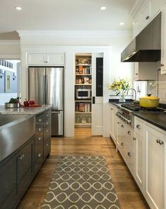 Trendy Kitchen Corner Pantry Layout Range Hoods Id Galley Kitchen Design, Small Galley Kitchens, Galley Kitchen Remodel, New Kitchen, Home Kitchens, Kitchen Dining, Kitchen Cabinets, Kitchen Designs, Dark Cabinets