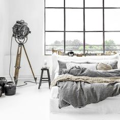 Shop our pure linen luxury collection. Discover relaxed living with the luxury of our linen bedding. Brown Bed Linen, Neutral Bed Linen, Contemporary Bed Linen, Matching Bedding And Curtains, European Pillows, Bed Linen Design, Linen Bedding, Bedding Sets, Bed Linens
