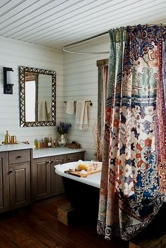 Retro home decor - Ingenious retro yet cozy ideas. retro home decorating smashing tip note 5891272051 produced on this day 20190316 Bad Inspiration, Bathroom Inspiration, Bathroom Ideas, Bathroom Modern, Master Bathroom, Bathroom Remodeling, Remodeling Ideas, Bathroom Designs, Bathroom Vanities