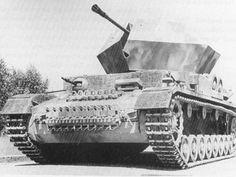 Flakpanzer ,,Ostwind'' mit seiner 3,7-cm-FlaK 43 - FRONT