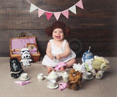 Star Wars baby names are officially a huge, hot trend Newborn Pictures, Baby Pictures, Baby Photos, Star Wars Onesie, Star Wars Baby, Princesa Leia, Star Wars Birthday, Star Wars Gifts, Baby Center