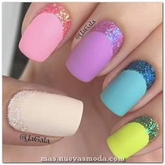 Try some of these designs and give your nails a quick makeover, gallery of unique nail art designs for any season. The best images and creative ideas for your nails. Sparkly Nails, Fancy Nails, Love Nails, Diy Nails, Manicure Ideas, Matt Nails, Fabulous Nails, Gorgeous Nails, Pretty Nails