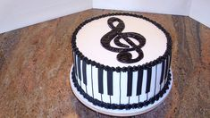 This Cake was made for a beautiful little girl's first piano recital debut! It was a Sour Cream cake with Chocolate Pastry Cream filling an. Music Birthday Cakes, Music Wedding Cakes, Music Themed Cakes, Music Cakes, Bolo Musical, Festa Pj Masks, Piano Cakes, Drum Cake, Piano Recital