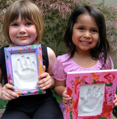 How to make a Plaster Handprint Frame for Mother's Day or Father's Day (or any other day for that matter)