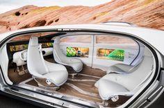 Digitaler Raum: Insgesamt sechs Bildschirme ringsum im Innenraum lassen...