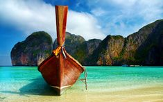 Beach and Mountains in #Thailand. Stunning on a sunny day!!!