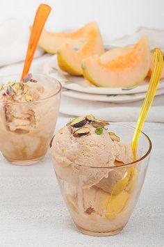 Gelato al melone http://www.tribugolosa.com/ricette-gelati.htm
