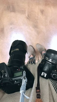 Photography Camera, Girl Photography Poses, Video Photography, Lights Camera Action, Foto Pose, Mode Hijab, Girl Swag, Muslim Couples, Instagram Story Ideas