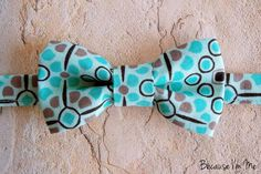 Mens Bow Tie  Unique Geometric Patterned Green tie by becauseimme
