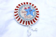 Paper plate noisemakers
