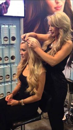 """Latest Absolutely Free HALOCOUTURE Extensions and THE Fall Suggestions """"Warm"""" practices for hair extension The adhesive material is often applied artificial Keratin. Halo Couture Extensions, Black Hair Extensions, Clip In Hair Extensions, Natural Blonde Highlights, Hair Extensions Before And After, Hair Quality, Fall Hair, Hair Hacks, Wig Hairstyles"""