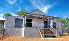 shearing shed refit as accommodation $240 / night Shed Conversion Ideas, Barn Conversions, Black Sheep Inn, Country Style, Country Charm, Modern Barn House, House Cladding, Farm Stay, Queenslander